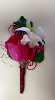 Freesia and Pink Spray Rose